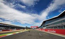 Silverstone využilo klauzuli, ukončilo smlouvu