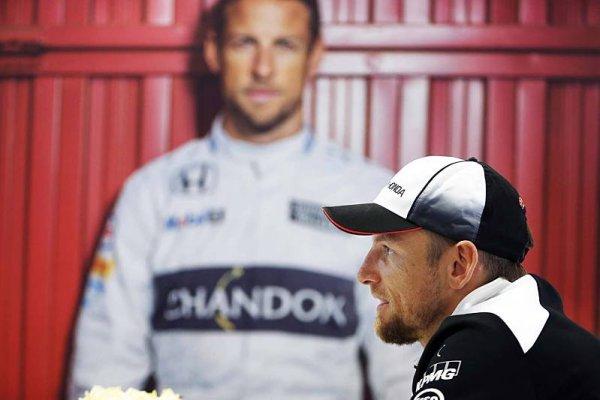 Jenson Button plánuje návrat k závodění