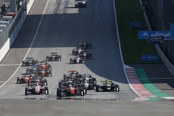 Formule 3 se rozdělí na dvě části