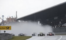 Norrisovi na Nürburgringu nevadil ani liják