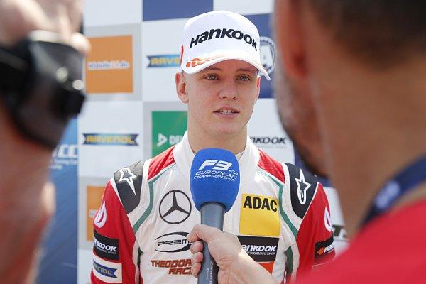 Joel Eriksson zvítězil ve F3 stylem start-cíl
