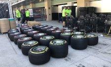 Paletu doplní růžové a světle modré pneumatiky