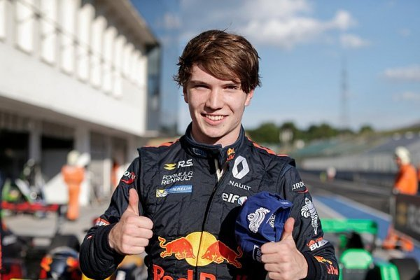 Junior Red Bullu Dan Ticktum přestupuje do GP3