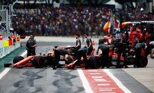 McLaren očekává dvouzastávkové závody