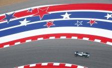 Hamilton při každém vyjetí na trať vylepšil předchozí čas!