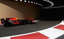 Ricciardo porazil Verstappena a jedno ferrari
