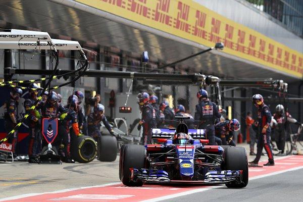 Toro Rosso: Kvjat a Gasly nemají svá místa jistá
