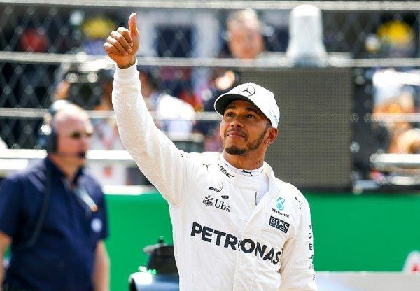 Lewis Hamilton: Cesta ke čtvrtému titulu ve fotografiích