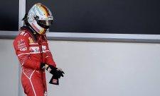 Měl bys mě respektovat, řekl Hamilton Vettelovi