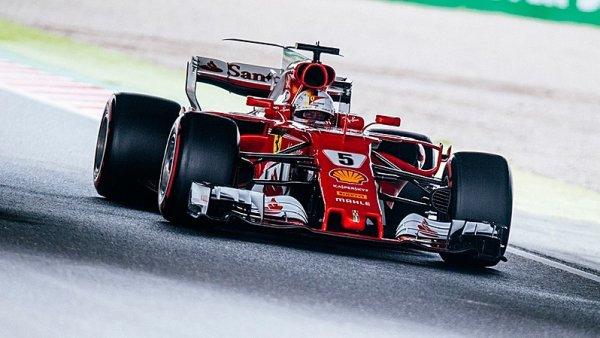 Vettel riskoval a nebylo mu to nic platné