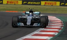 Lewis Hamilton oslavil čtvrtý titul dvěma body