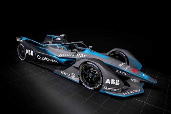 Mercedes a Porsche oficiálně potvrzeny