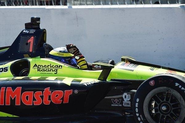 Rossi pokazil Wickensovi debut, slaví Bourdais