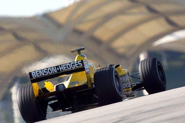 Historie: Kimi Räikkönen ve F1 poprvé vyhrál v sauně