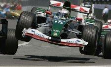 Schumacherův rekordní sedmý triumf na stejné trati
