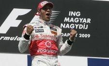 Hamilton drží palce Williamsu i McLarenu