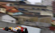 Pod zataženou oblohou nejrychlejší Alonso