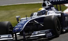 Rosberga brzdil Barrichello, dělal si zálusk na Massu