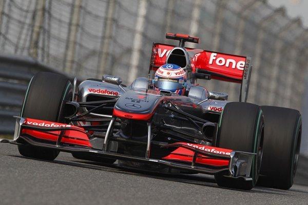 Button s Hamiltonem dovezli McLarenu double