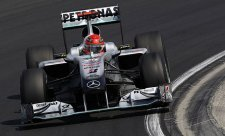Warwick: Schumachera jsme málem diskvalifikovali