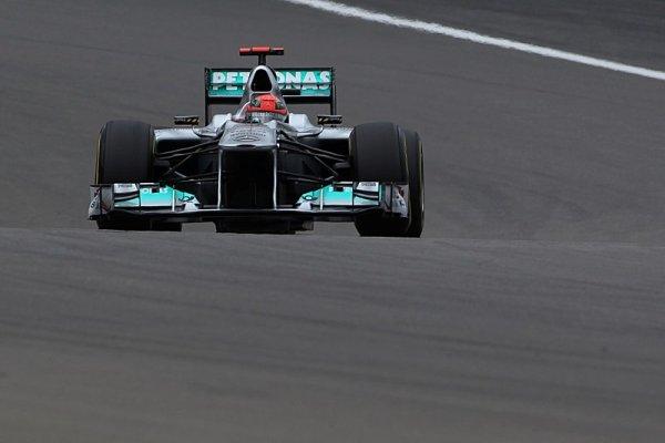 Schumacher prožene předloňský mercedes po Nordschleife