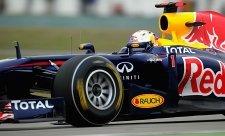Vettel se dopoledne vrátil na trať a do čela