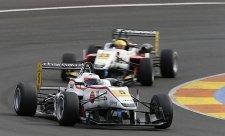Rosenqvist se ve třetím závodě dočkal vítězství