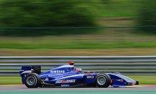 Magnussen proměnil pole position ve své první vítězství