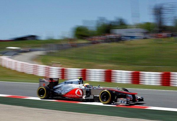 Hamilton vyloučen, z pole position odstartuje Maldonado!