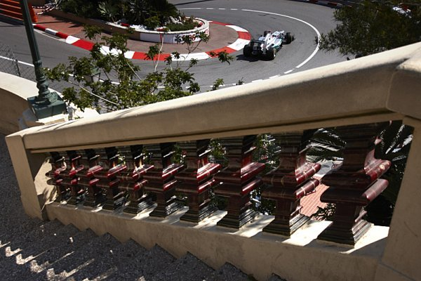 Schumacher vyhrál kvalifikaci, na pole position Webber!