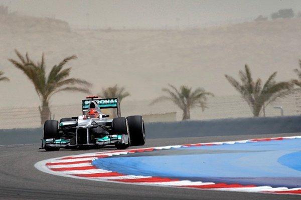 Také Schumacher ztratí na roštu pět pozic
