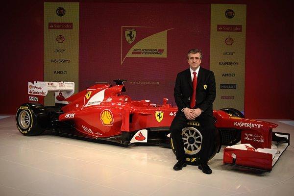 Do Renaultu míří i Pat Fry
