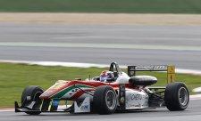 Na domácí trati Marciello dvakrát na pole position
