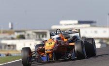 Rosenqvist vyhrál třetí závod, Marciello havaroval