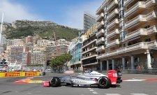 Müller přetavil pole position ve vítězství