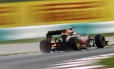 V deštěm smáčeném tréninku byl nejrychlejší Räikkönen