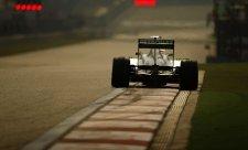 Mercedesy na čele, Rosberg před Hamiltonem