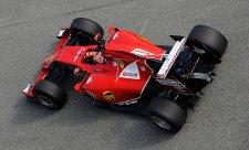 Ferrari: Mercedes a Williams vypadají silně