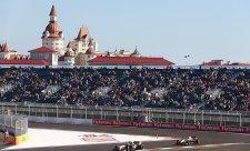 Mercedes slaví v Rusku double i zisk poháru kontruktérů