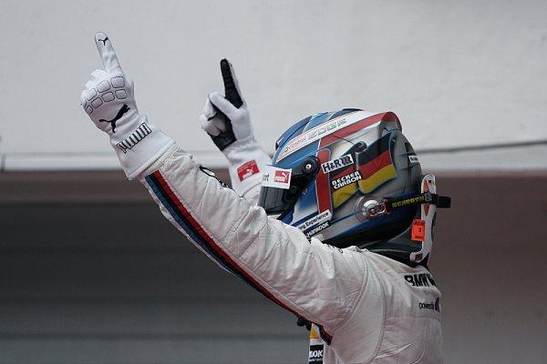 Wittmann přetavil pole position ve vítězství