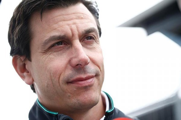 Mercedes se svého bonusu nevzdá bez boje