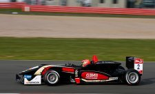 Ve druhém a třetím závodě bude na pole position Ocon