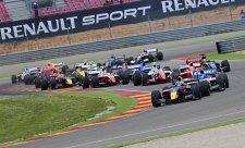 Sainz jr. suverénně vyhrál první závod
