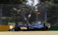 Alonso, Vettel a Magnussen unikli penalizacím