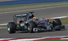 Hamilton na čele, Red Bull znovu v problémech