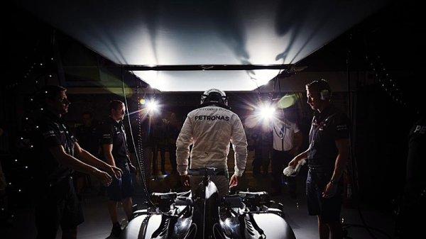 Vítězem kvalifikace Hamilton, Vettel druhý!