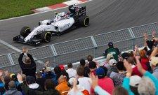 Hill: Williams by se měl zbavit motorů Mercedes