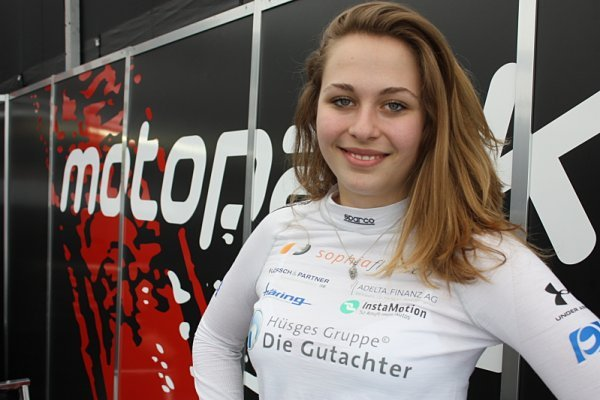Sophia Flörsch - patnáctiletá závodnice