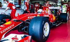 Bude Vettel příští rok ve výhodě?