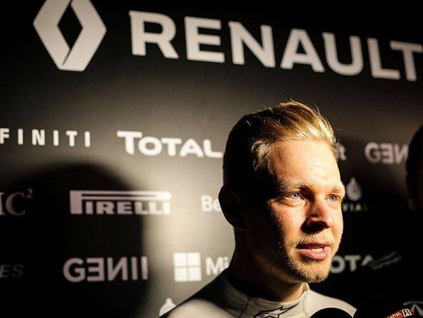 Kevin Magnussen prý přestupuje do Haasu